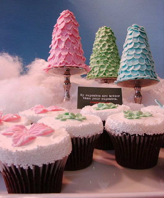 topiary cakelets and coordinating cupcakes   Elegant cupcakes, Christmas cookie cake, Miss cupcake