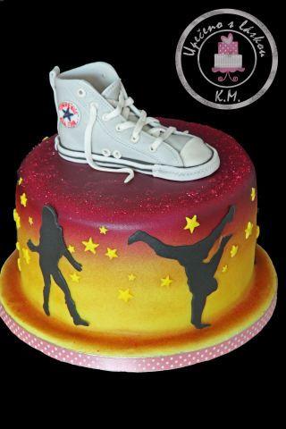 Hip Hop Cake with fondant Converse shoe