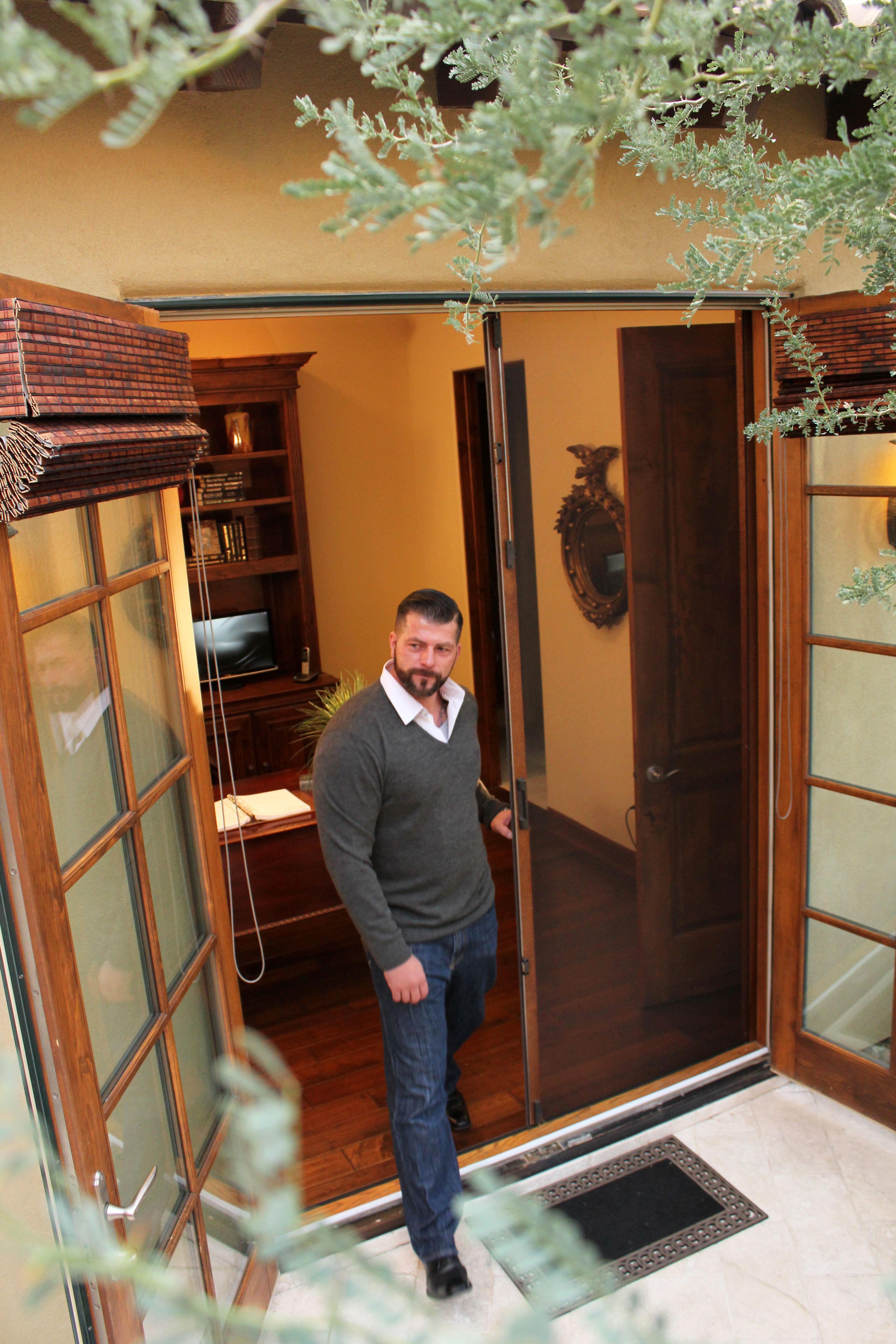 Retractable door screens even for your woodgrain decor