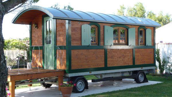roulotte tzigane 2000 3000 euro mq cirkus vogn circus wagon shepherdstown hut pinterest. Black Bedroom Furniture Sets. Home Design Ideas