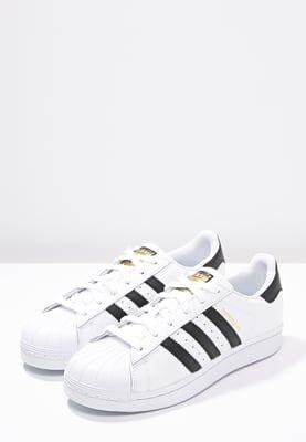 lowest price 1f046 07cbc Enfant adidas Originals SUPERSTAR - Baskets basses - white core black  blanc  59,95 € chez Zalando (au 7 08 16). Livraison et retours gratuits…