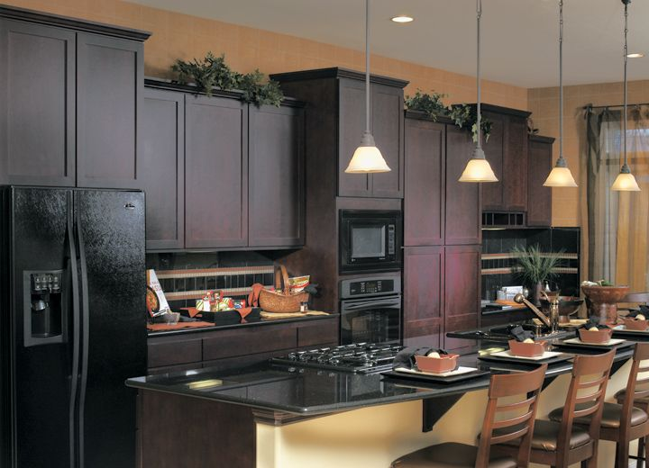 Exceptionnel Kitchen With Oak Cabinets With Black Appliances | Cornerstone Kitchens In  Cherry   Canyon Creek