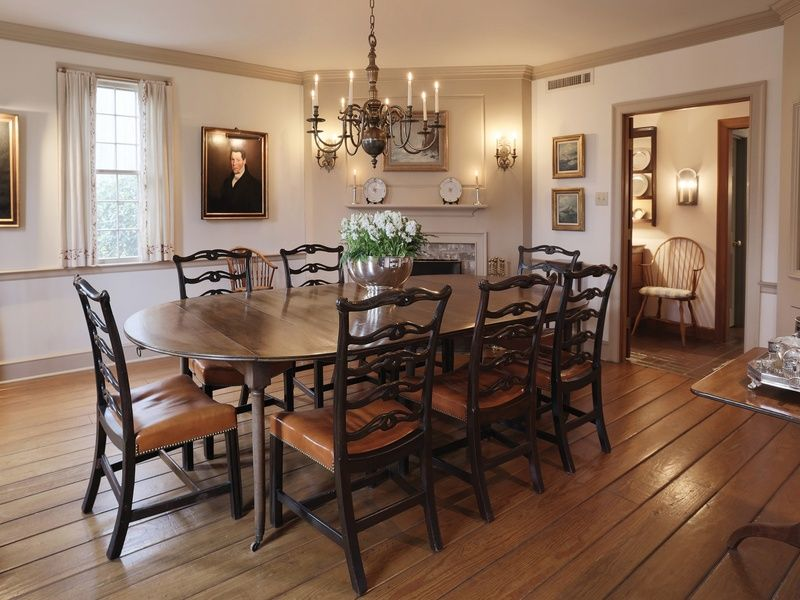 A Traditional New England Style Dining Room