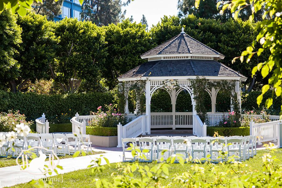 7 Tips For Planning A Small Courthouse Wedding: Heather And Adam's Disneyland Hotel Rose Court Garden