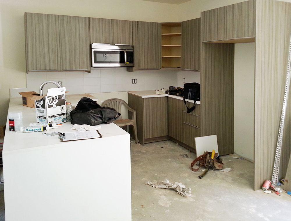Modern Kitchen Cabinet   Swiss Elm Dark Color Pattern: Woodgrain Color  Tone: Dark Gloss