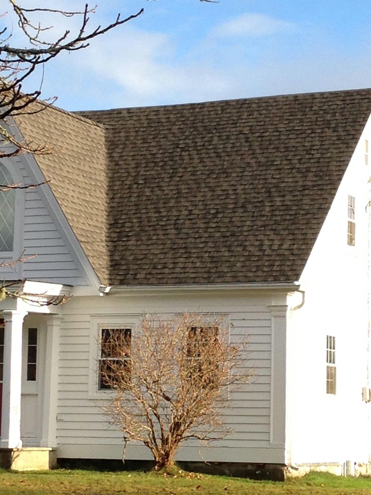 Shingles That Look Like Shake This Is Timberline Hd Canadian Driftwood Not Available On The West Coast Is Weathered W Roofing House Exterior Roof Colors