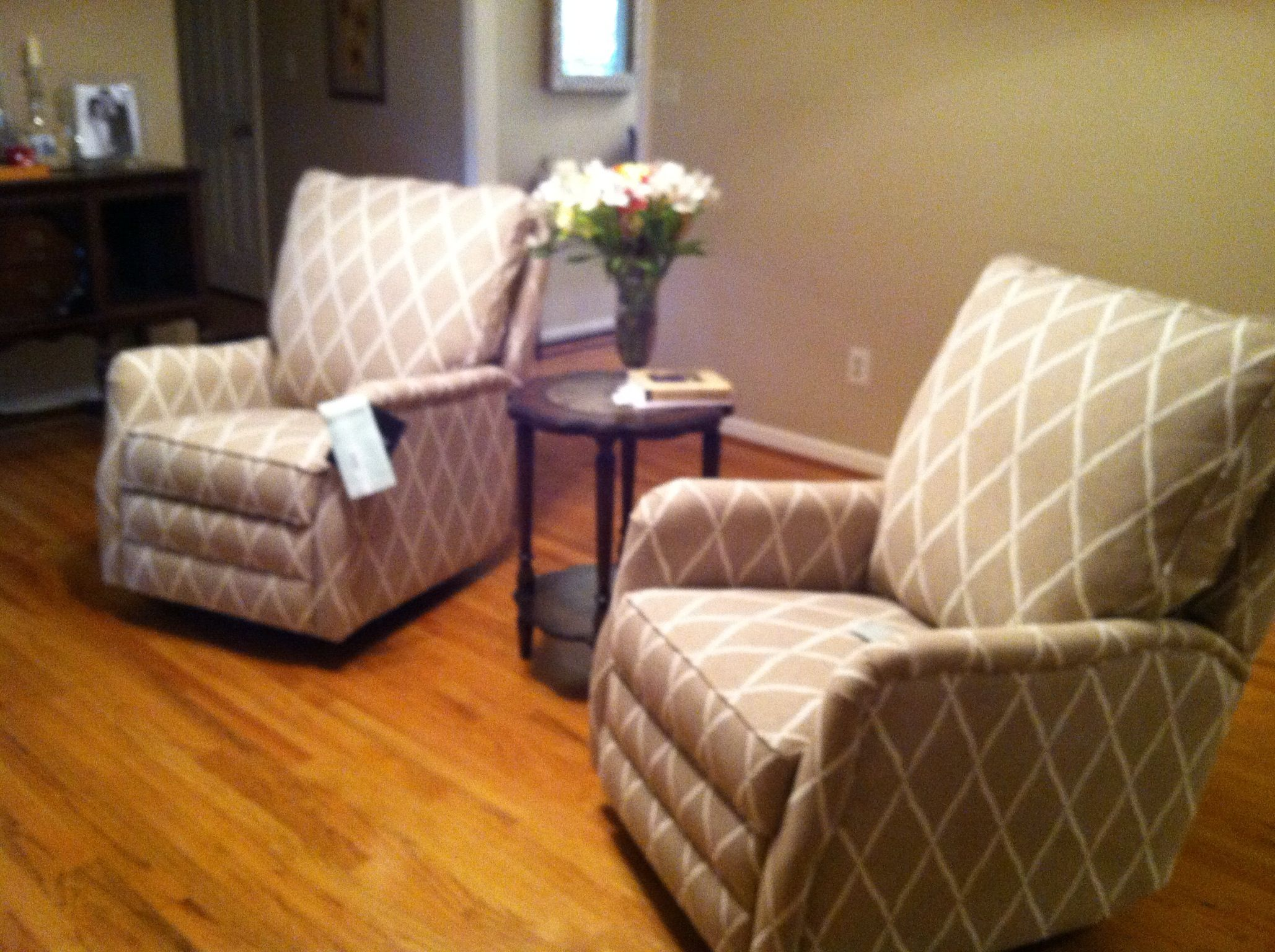 larger click on comfort large comforter the recliner barnett design photos thumbnail view dec marquis furniture to