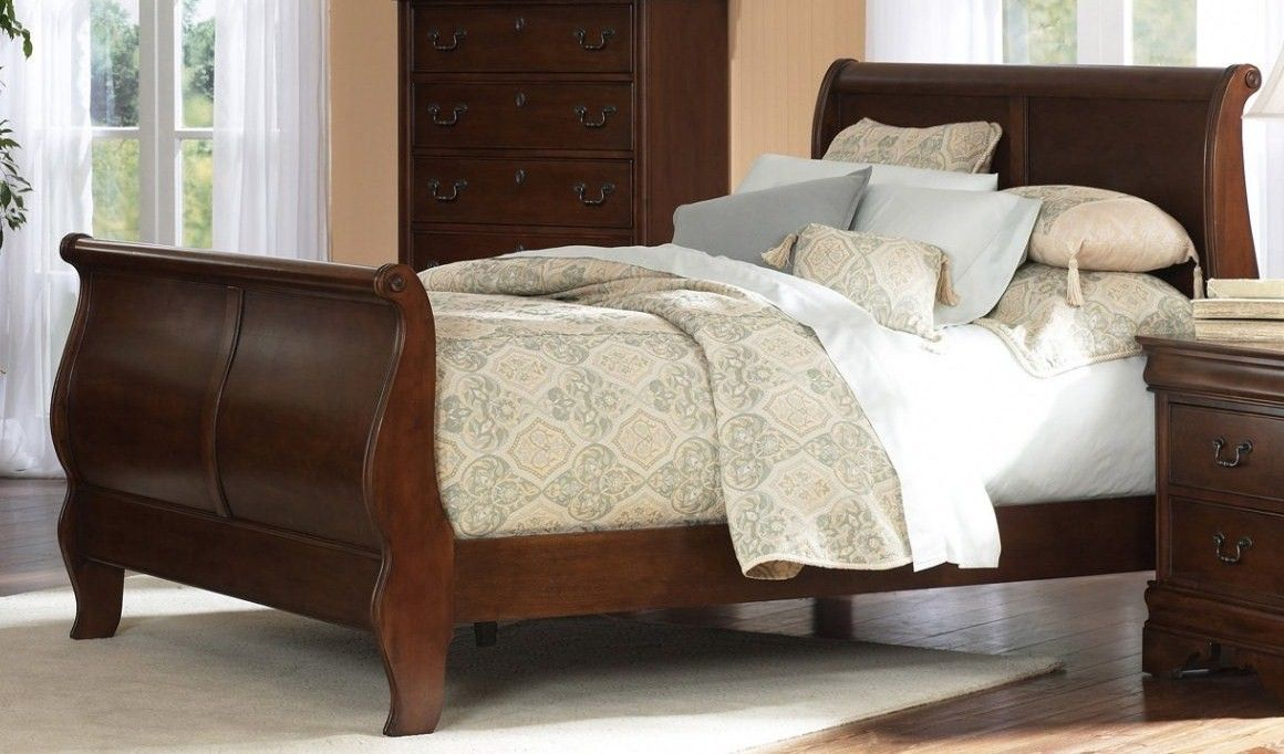 I love sleigh beds they are so pretty too bad jeff hates them