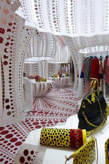 Yayoi Kusama na Loja Conceito da Louis Vuitton em Londres