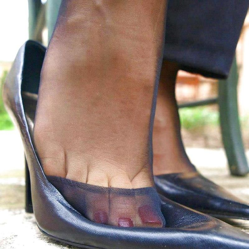 Low Dipping High Heel Shoes