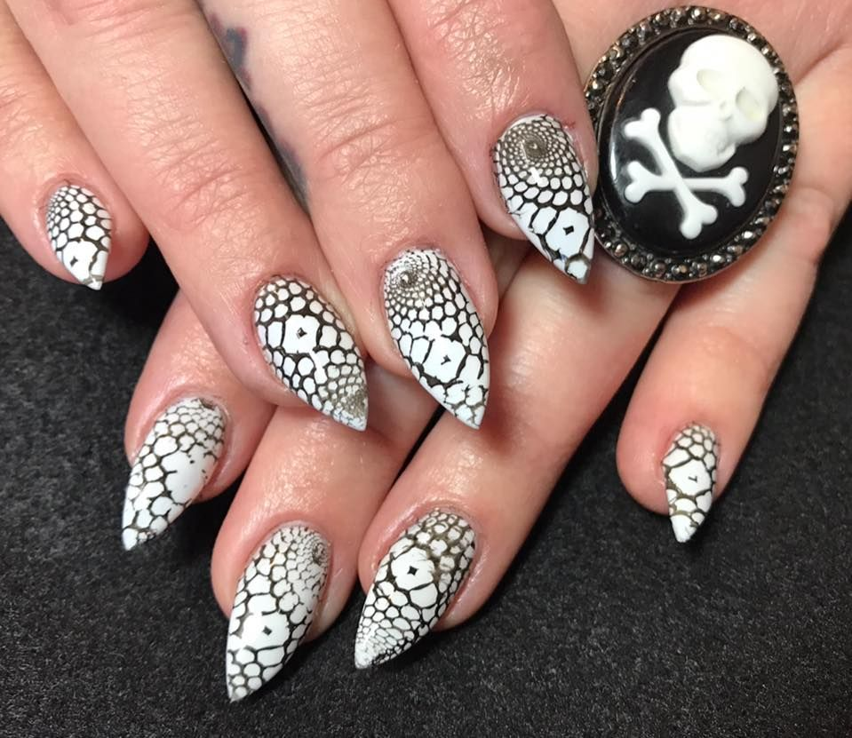 Nail Art Ideas edgy nail art : Edgy nail art. Claw style! | Nail Art | Pinterest | Edgy nail art ...