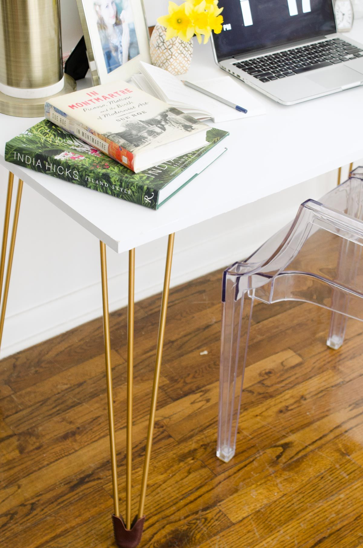 Diy Desk With Gold Hairpin Legs Thou Swell Diy Table Legs Diy Desk Diy Desk Accessories