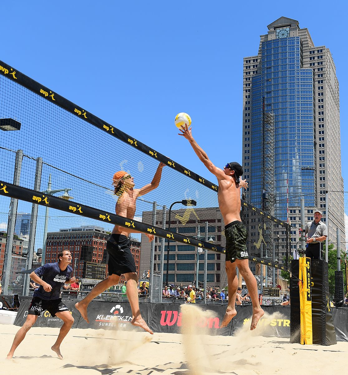 Avp Gold Series New York City Open 2017 Photo Gallery With Images 2017 Photos Beach Volleyball New York City