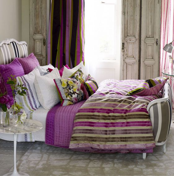 40 Guest Bedroom Ideas: トリシア・ギルドのうっとりするエレガントでダマスクな世界!40