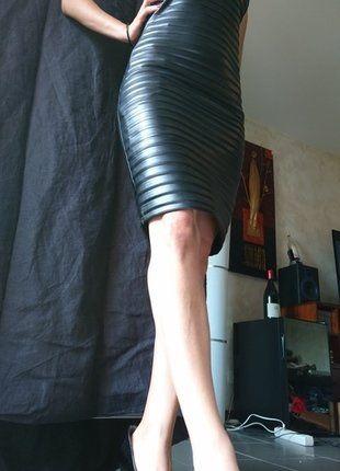 Épinglé par blablacar sur Vide dressing anjela luv via Vinted   Pinterest    Robe bustier, Simili cuir noir et Mode femme robe d16b6f19c5f0