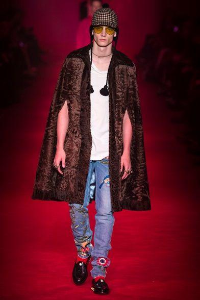 Sfilata Moda Uomo Gucci Roma - Pre-Collezioni Autunno-Inverno 2018-19 -  Vogue 46a20cdc0911