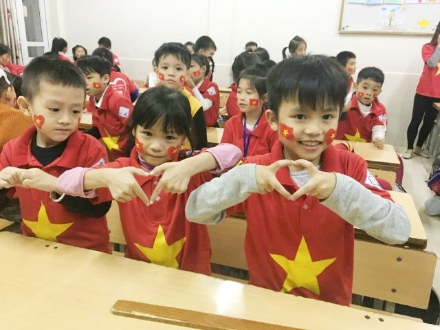 Áo cờ Việt Nam trường tiểu học Khánh Hà - Hình 4