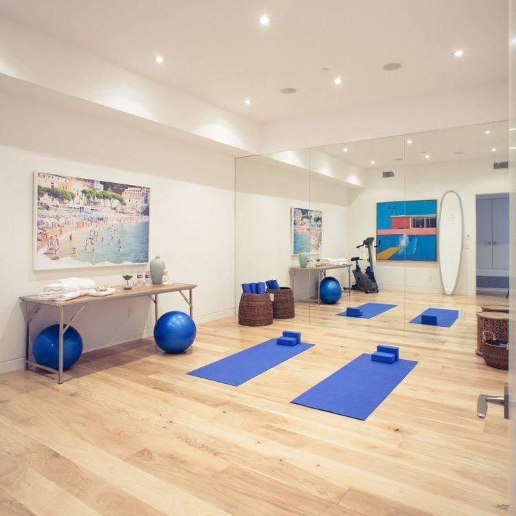 10 Home Yoga Studio Designs You\'ll Love | Yoga studio design, Studio ...