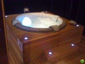 jacuzzi et spa gonflable pas cher 6 4 et 2 places avis. Black Bedroom Furniture Sets. Home Design Ideas