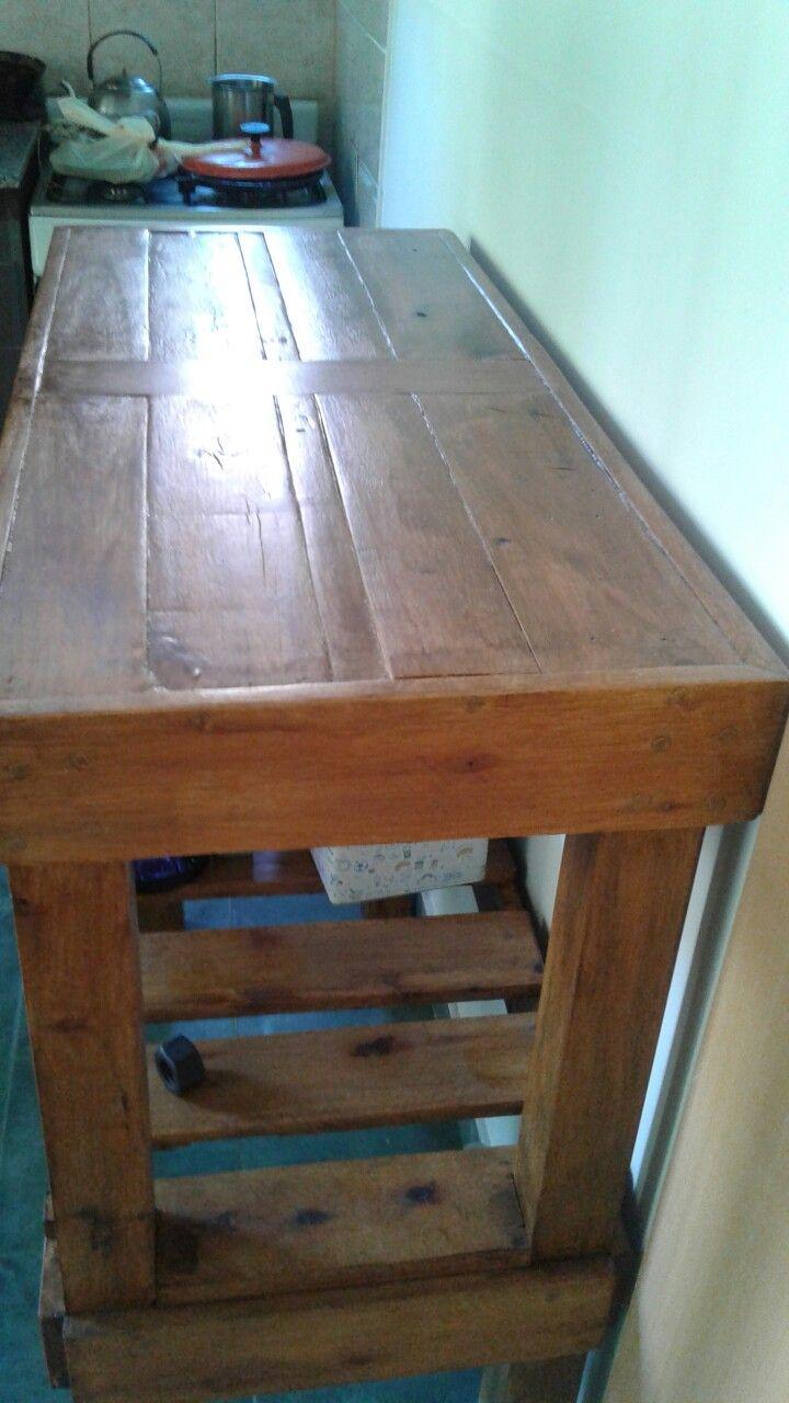 Barra o desayunador hecho con madera reciclada de palets | caceros ...
