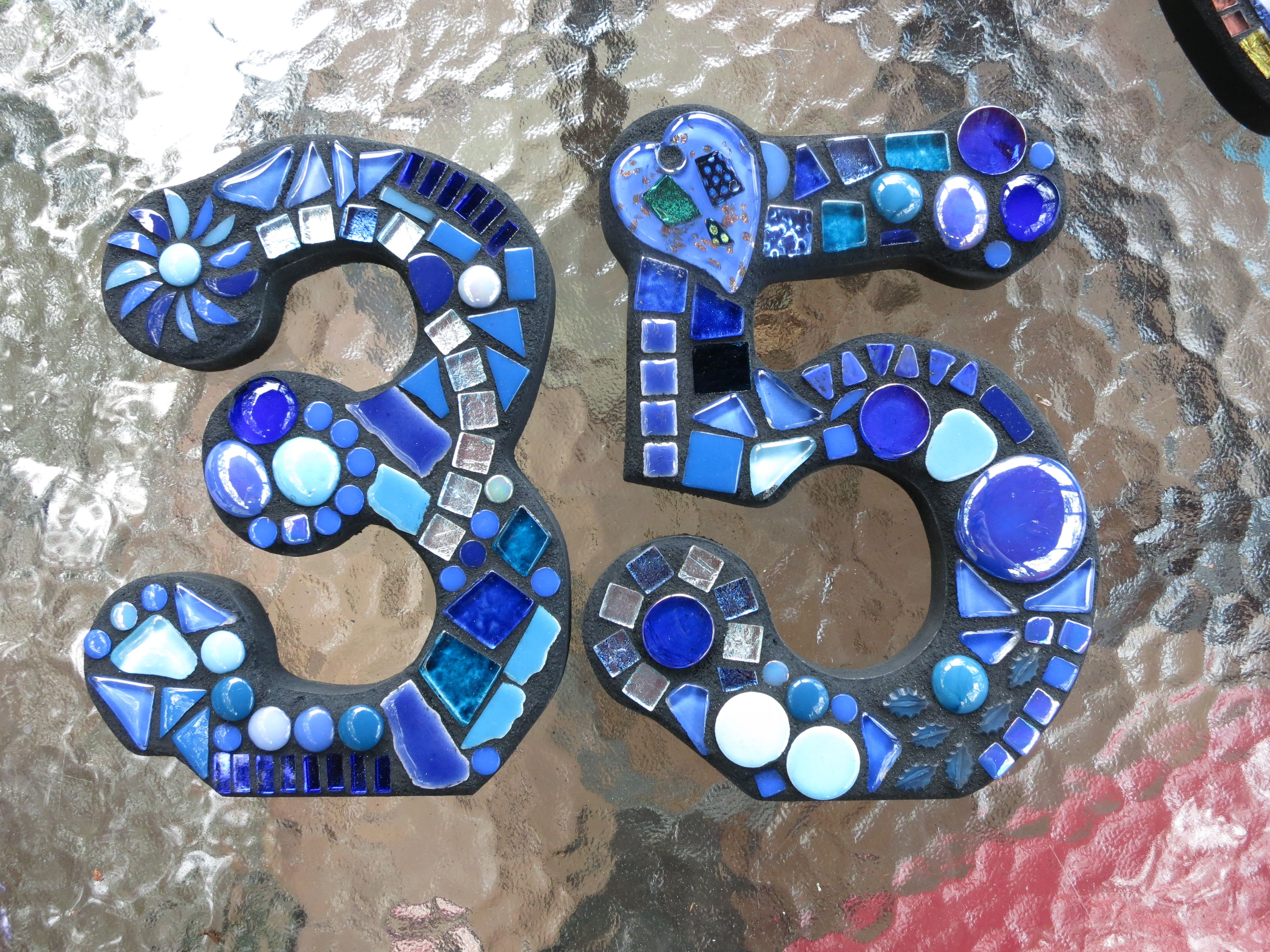 custom mosaic numbers by tina @ wise crackin' mosaics | espejos, Badezimmer ideen