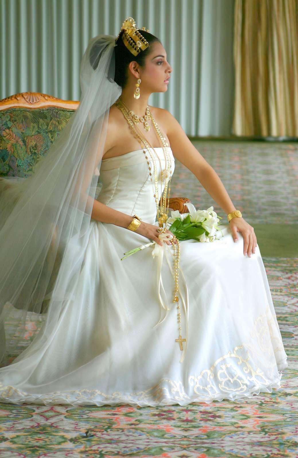 Totally Panama's wedding dress adkerjflk by kamillyanna on