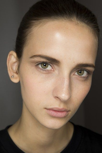 Dior Couture beauty - Click to see the Dior beauty tribute