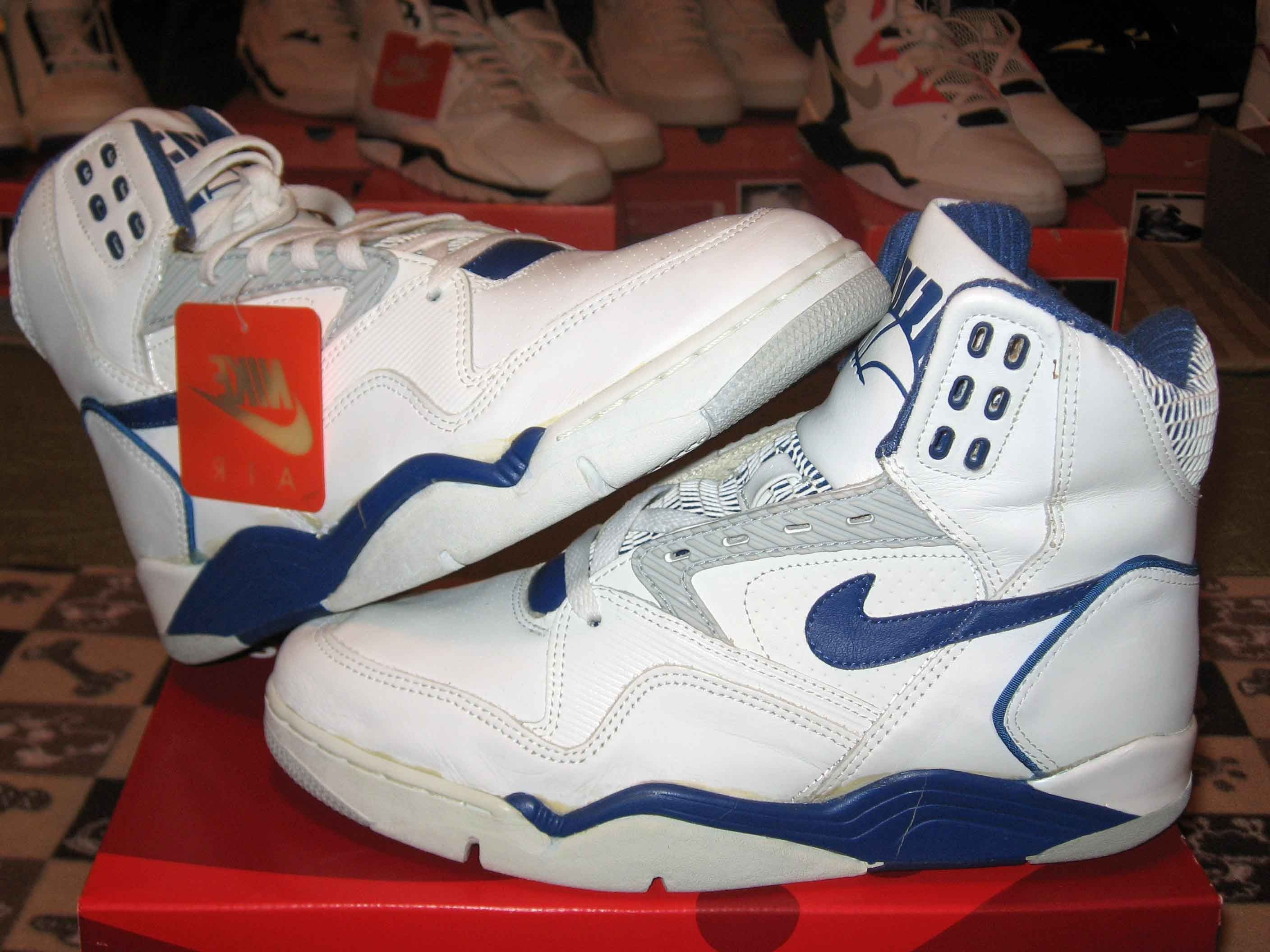 big sale 30269 42ddf Tenis Basketball, Vintage Nike, Nike Lebron, Fresh Kicks, Nike Air Force,