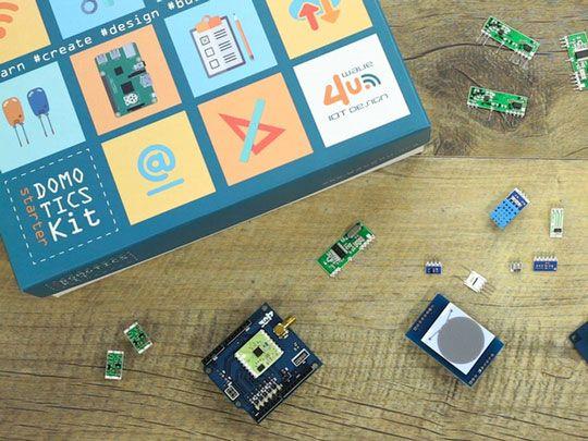 Domotics Kit: IoT Platform for Smart Homes
