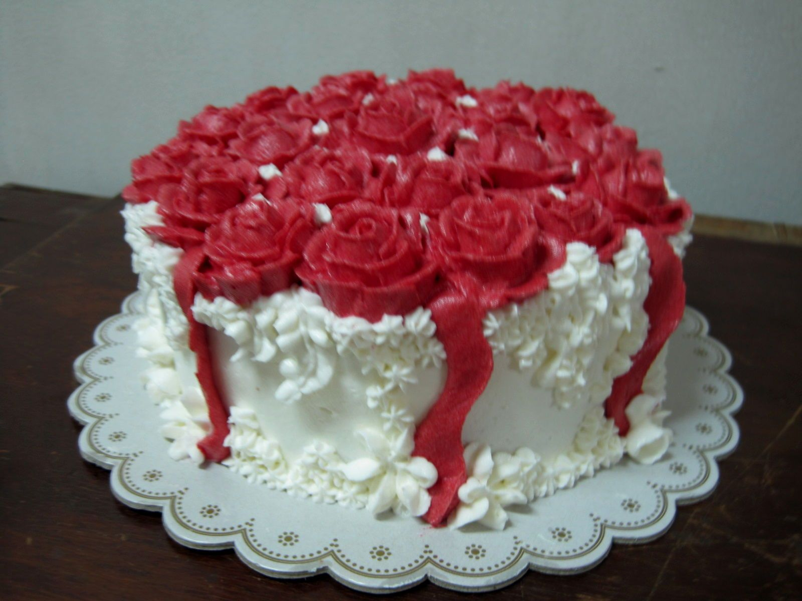 Happy Birthday Cakes With Red Roses Yikes Birthday Cake Roses