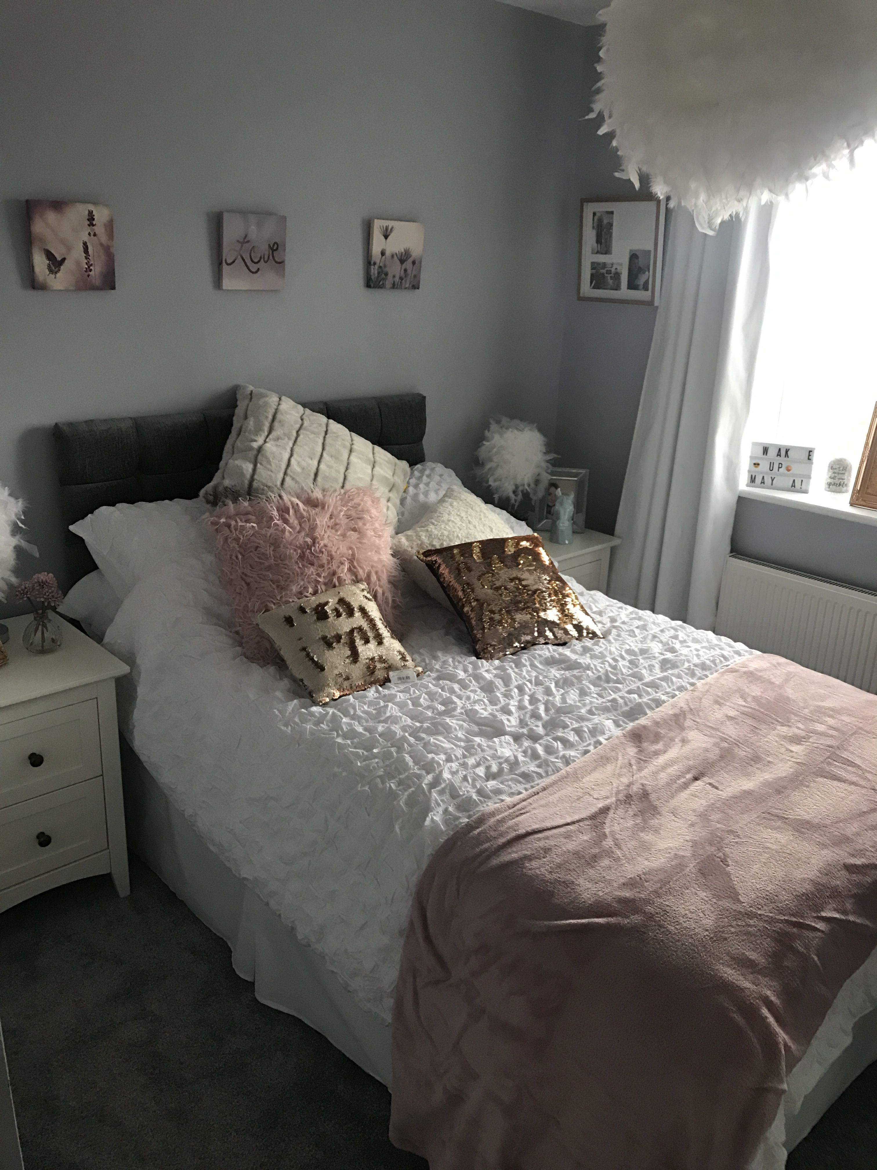 Grey White Blush And Rose Gold Girls Bedroom My Daughter Loves This Paint Fog By B Q Rose Gold Bedroom Rose Gold And Grey Bedroom Grey And Gold Bedroom