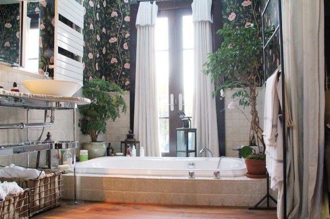 I'd like to take a bath in Gucci Westman's tub.
