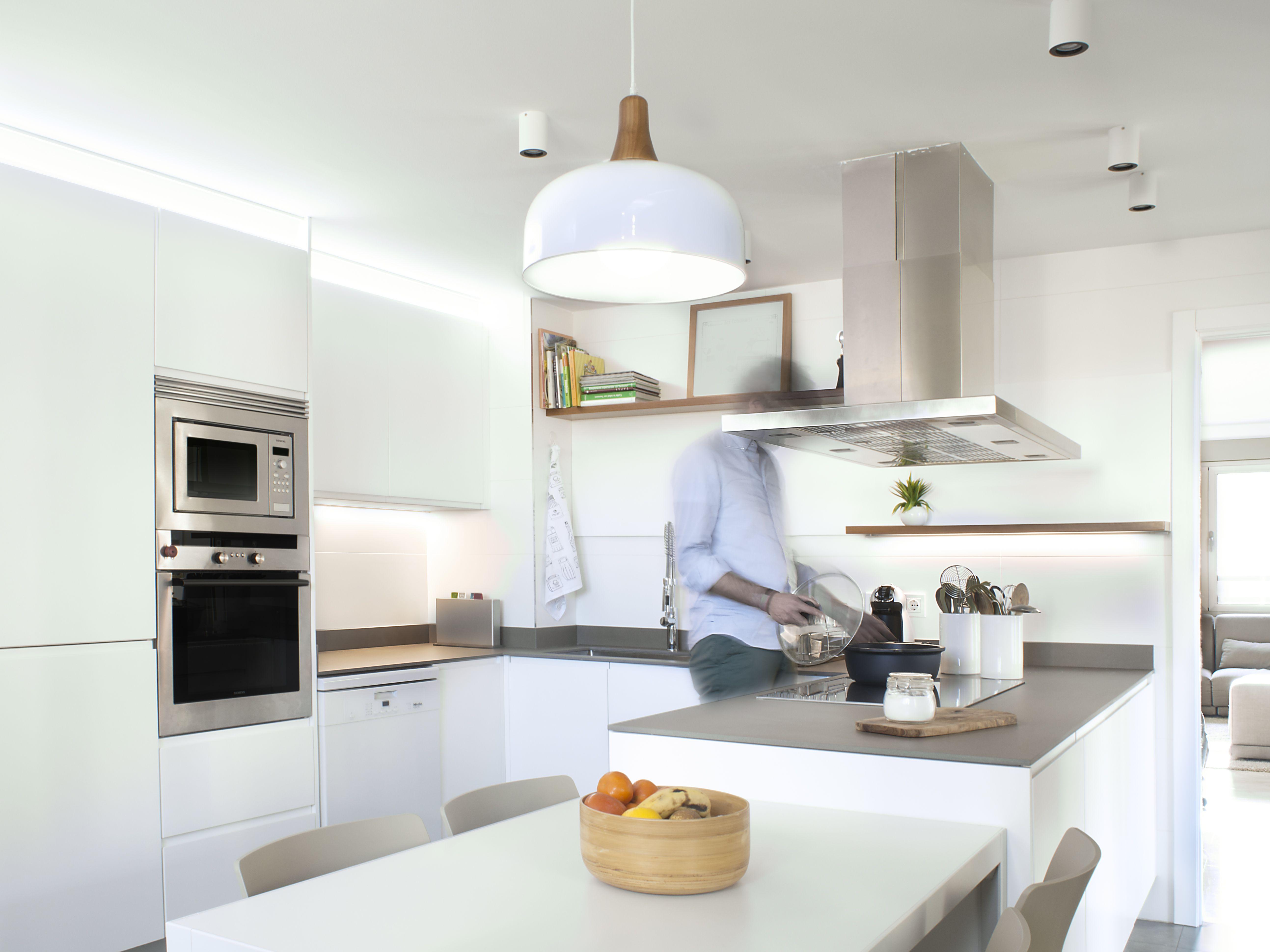 Cocina vivienda. Mobiliario a medida diseñado por KALEIDOSCOPE ...