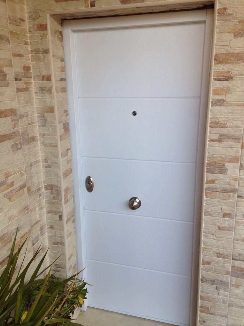 Puerta acorazada de exterior vh500 blanca puertas - Puertas blancas exterior ...