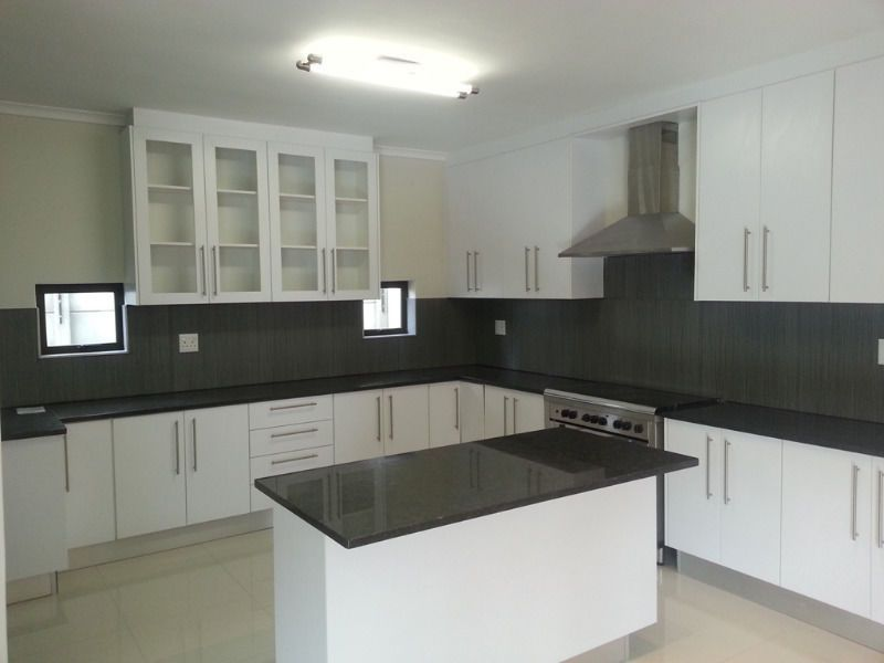 Kitchen and bedroom built in cupboards rondebosch for Kitchen cupboards south africa