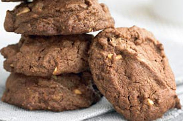 Peanut butter and choc cookies recipe - goodtoknow