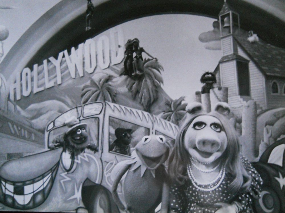 Vintage-The Muppet Movie-Jim Henson-The Muppets-Kermit & Piggy (+) - B & W 8x10