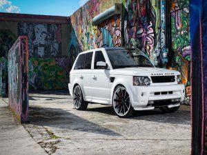 Range Rover blanco y arte urbano