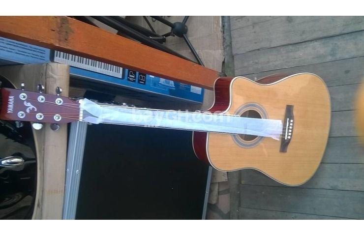 Semi Acoustic Guitar New Brand Yamaha Model F3000eq Made In Indonesia Quality Yamaha Semi Acoustic Guitar With Semi Acoustic Guitar Guitar Acoustic Guitar