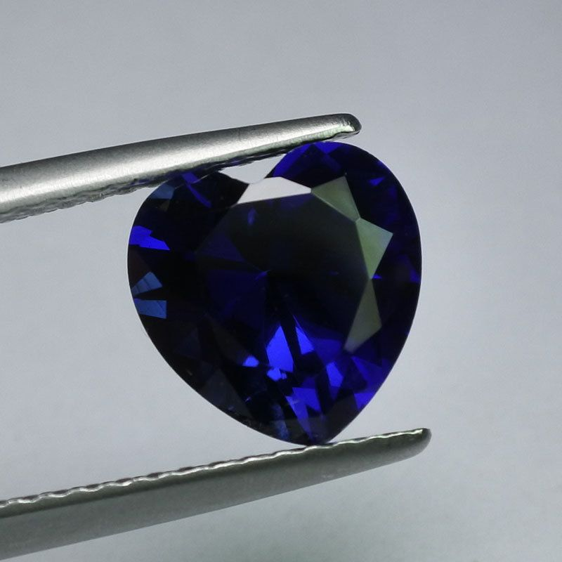 FINE HEART SHAPE DARK BLUE SYNTHETIC CORUNDUM SAPPHIRE 4x4 mm 6x6 mm 8x8 mm