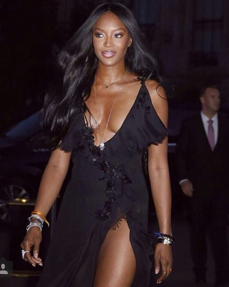 « She is so fine  @iamnaomicampbell »