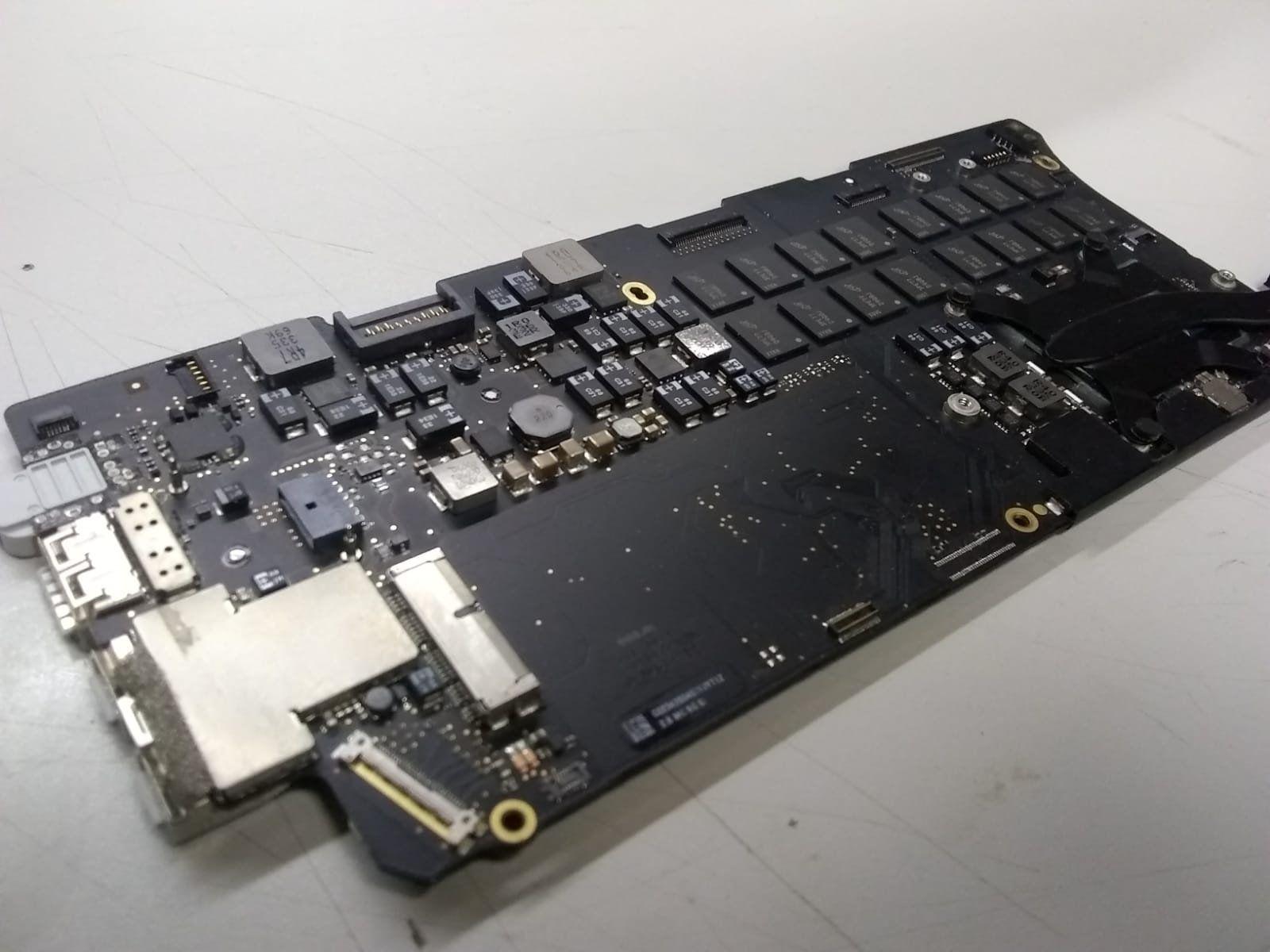 """13/"""" Apple MacBook Air 11"""" A1465 Mid 2014 i5 1.4Ghz Logic Board Parts//Repair"""
