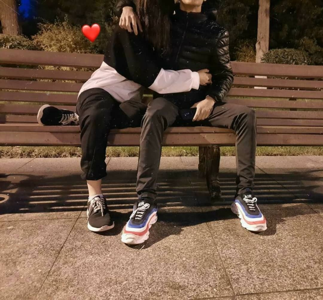 Pin By Papatya On Couple In 2021 Couple Photoshoot Poses Couple Photography Poses Cute Couples