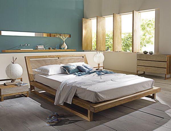 peinture chambre mansard e murs bleus bois gris et meuble bois. Black Bedroom Furniture Sets. Home Design Ideas