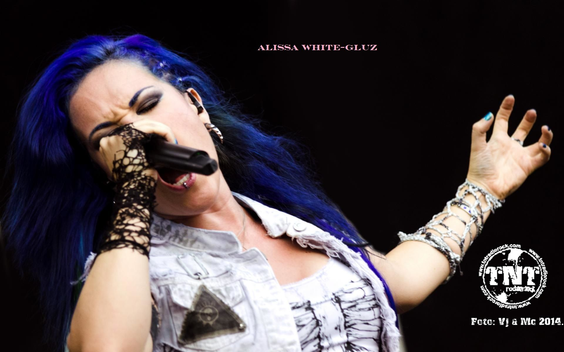 Pin By Sam Hill On Alissa White Gluz Alissa White Celebrity