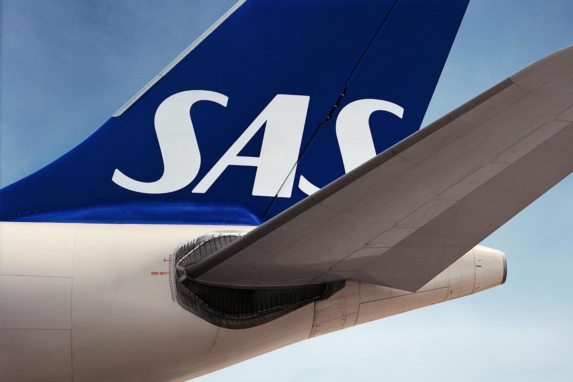Sas Regains Its Scandinavian Soul And Rises Above Its Rivals Scandinavian Scandinavian Airlines System Scandinavian Dressing Tables