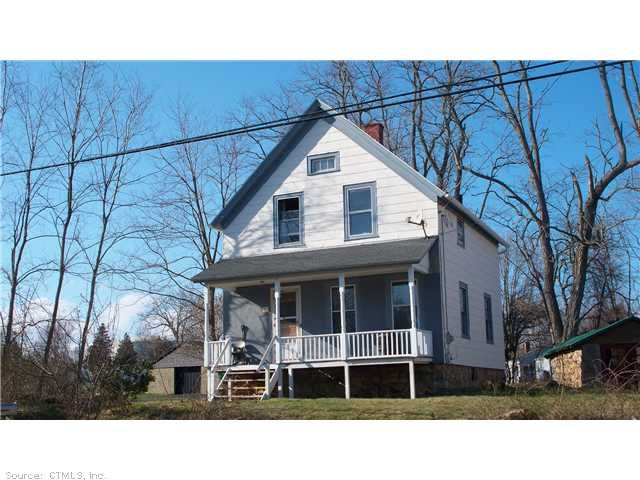 79 Phillips St Waterford Ct 06385 50 000 Fixer Upper Needs T L C Nice Layout With Good Size Rooms Property Be Rehab House Fixer Upper House Styles