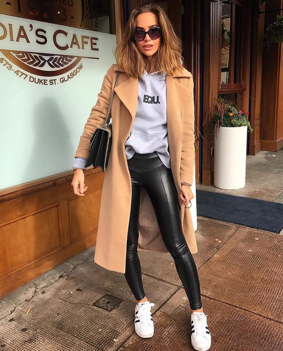 Camel Coat With Grey Hoodie, Black Leather Pants And White Sneakers 2019 #leatherpantsoutfit