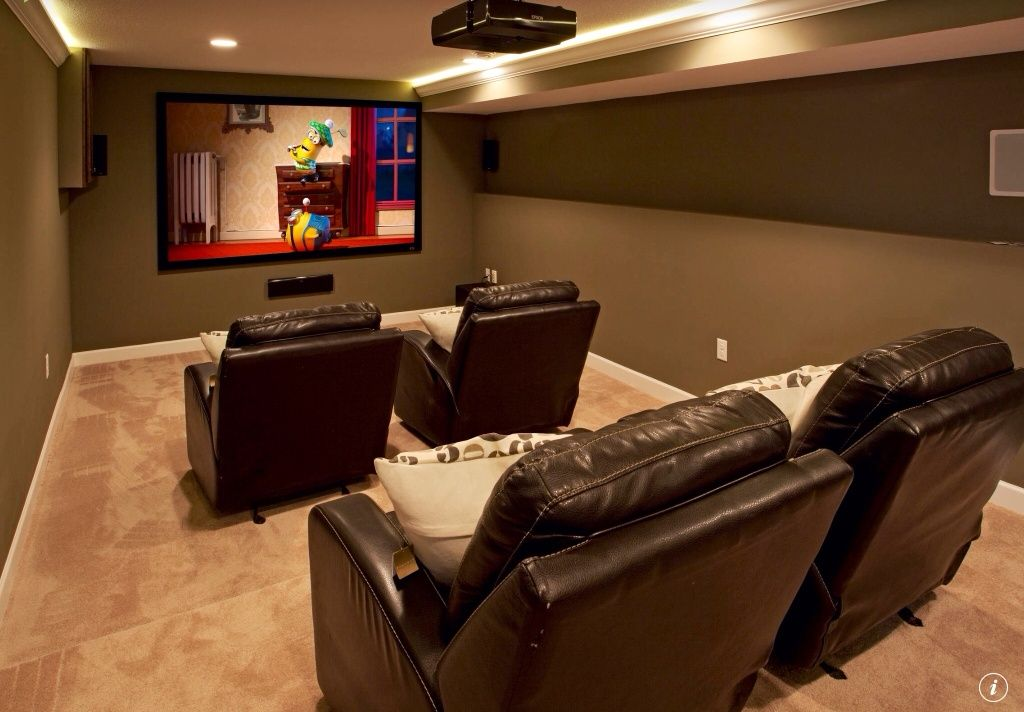 Traditional home theater with can lights crown molding standard height carpet catnapper top - Best paint color for home theater ...