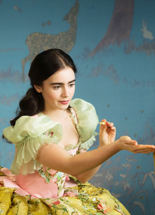 Lily Collins In Mirror Mirror 2012 Lily Collins Lily Lilly Collins
